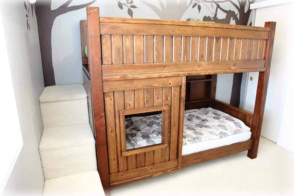 A DIY bunkbed built for small spaces
