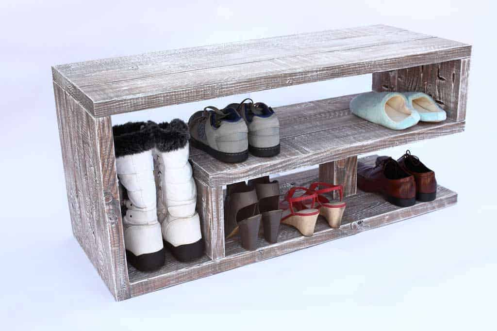 Picture of: How To Build A Diy Entryway Shoe Rack Thediyplan