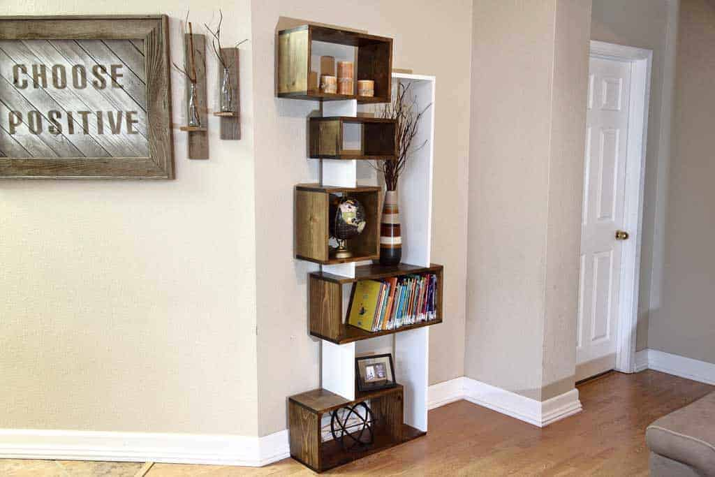 DIY Offsetting Bookshelf