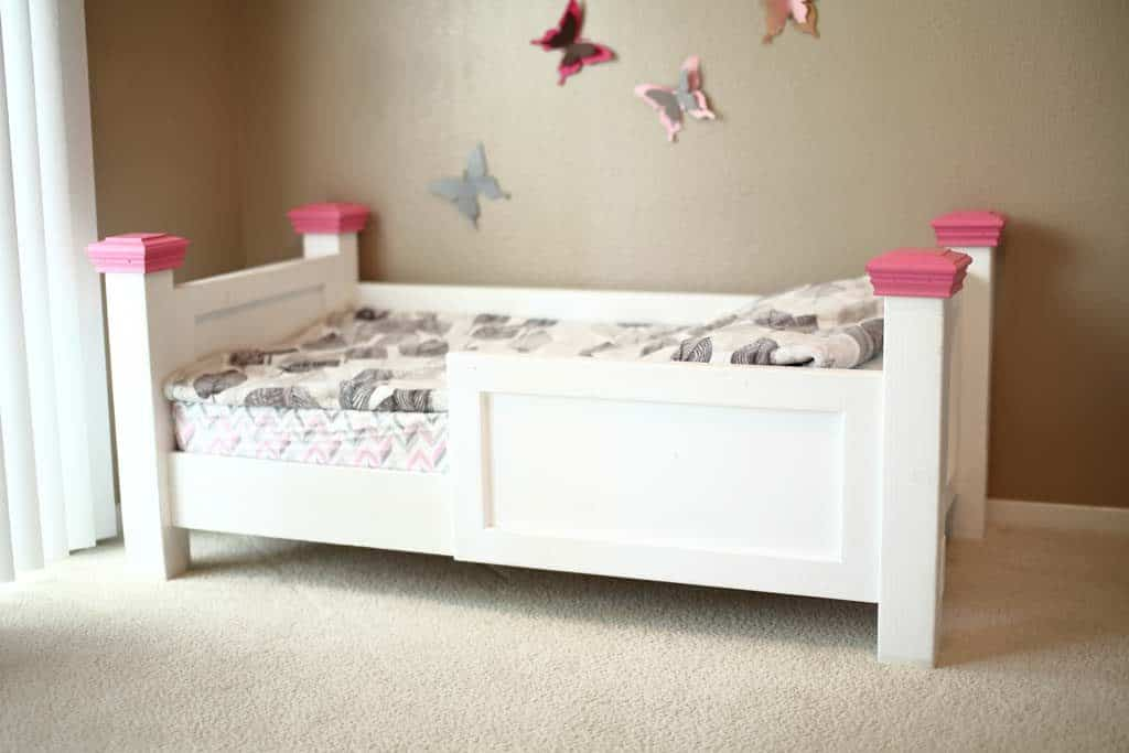 How To Build A Diy Toddler Bed Using Contruction Lumber Thediyplan