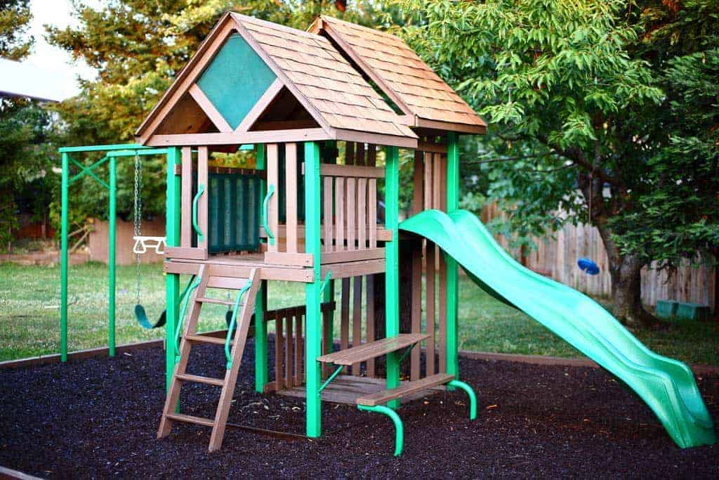 Image of: How To Build A Diy Backyard Playground For Kids Thediyplan