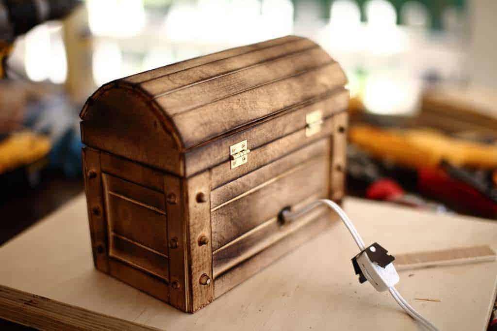 diy treasure chest box