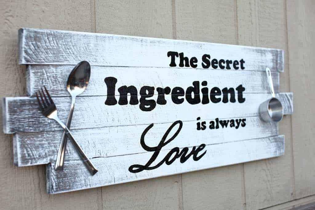 diy rustic kitchen sign