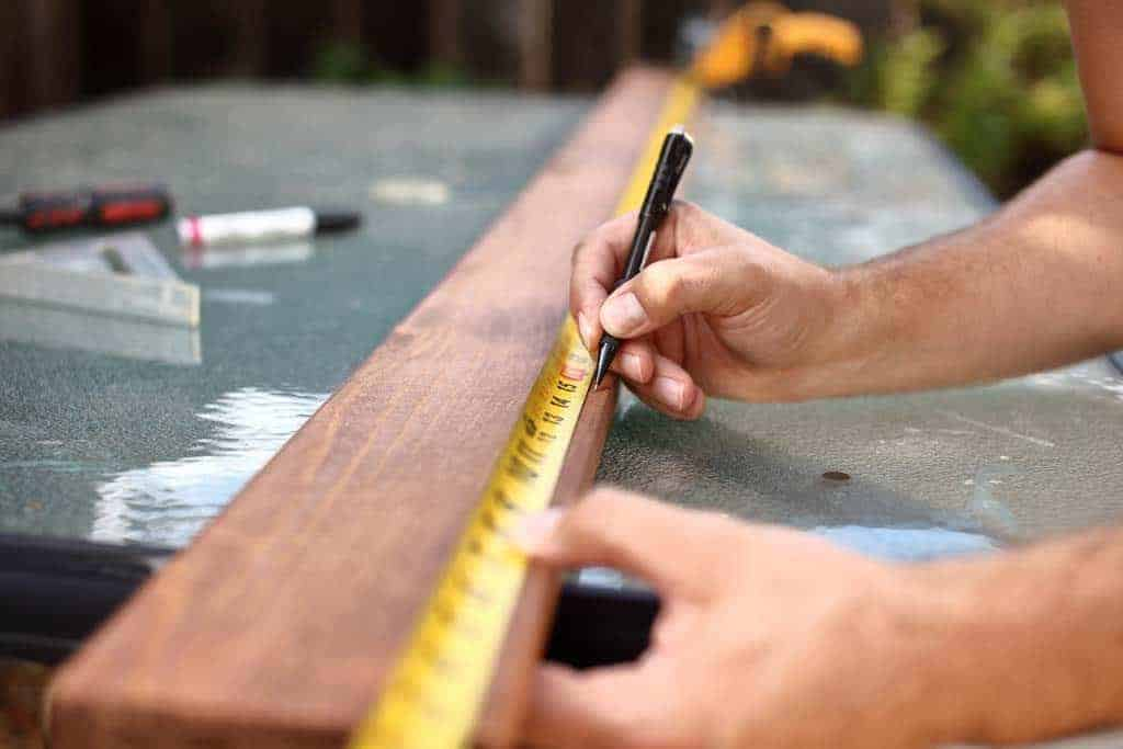 marking inches and feet on the diy growth ruler