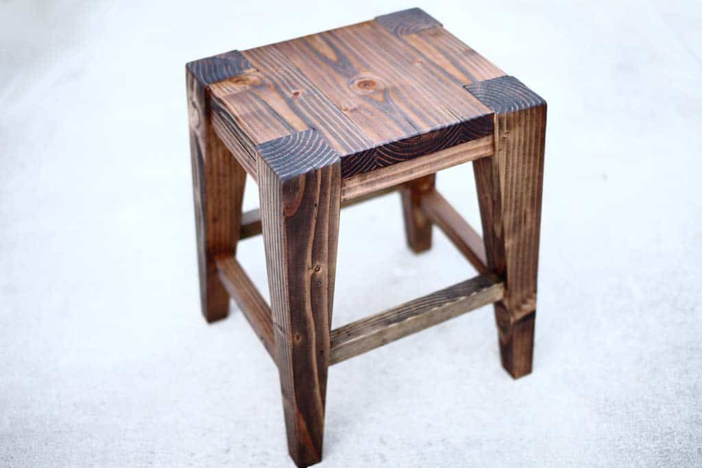 Awe Inspiring How To Build A Diy Wooden Bar Stool Thediyplan Short Links Chair Design For Home Short Linksinfo