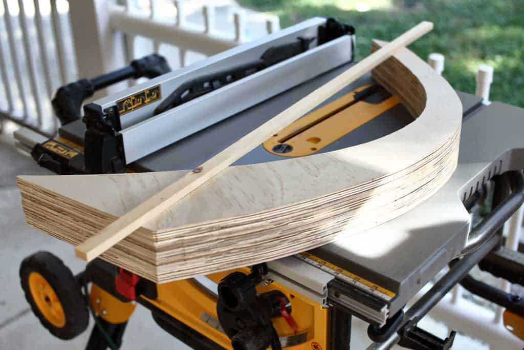 using table saw to cut legs