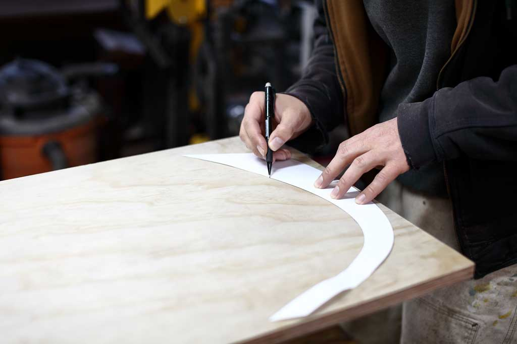 tracing the leg template for bench