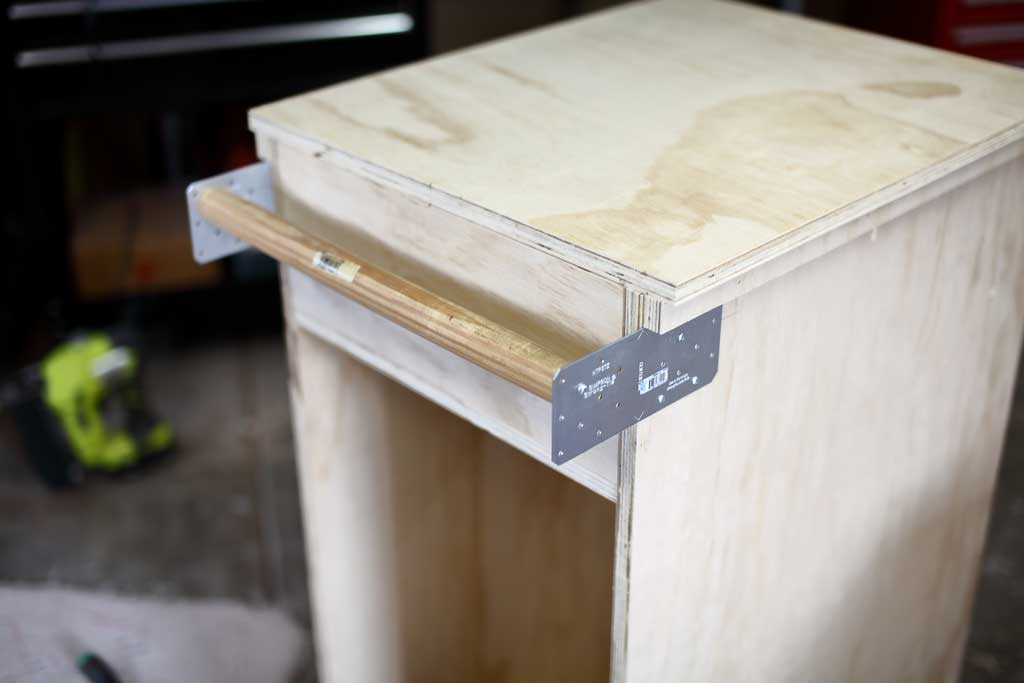 attaching hand rail for mobile tool cart