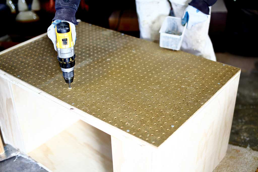 screwing-in pegboards for the mobile cart