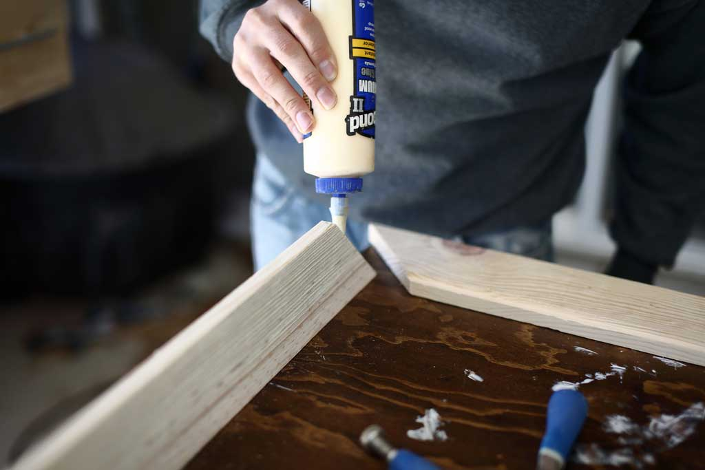 gluing the frame with wood glue