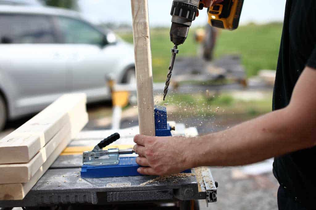 drilling pocket hole in the 2x4