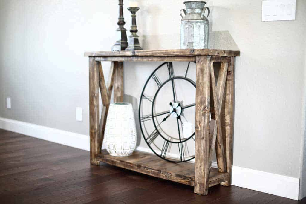 DIY farmhouse entryway table