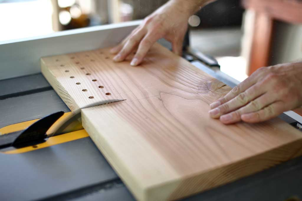 using table saw to cut DIY memory chess game