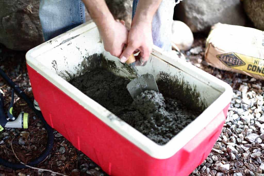 mixing concrete for diy stepping stone
