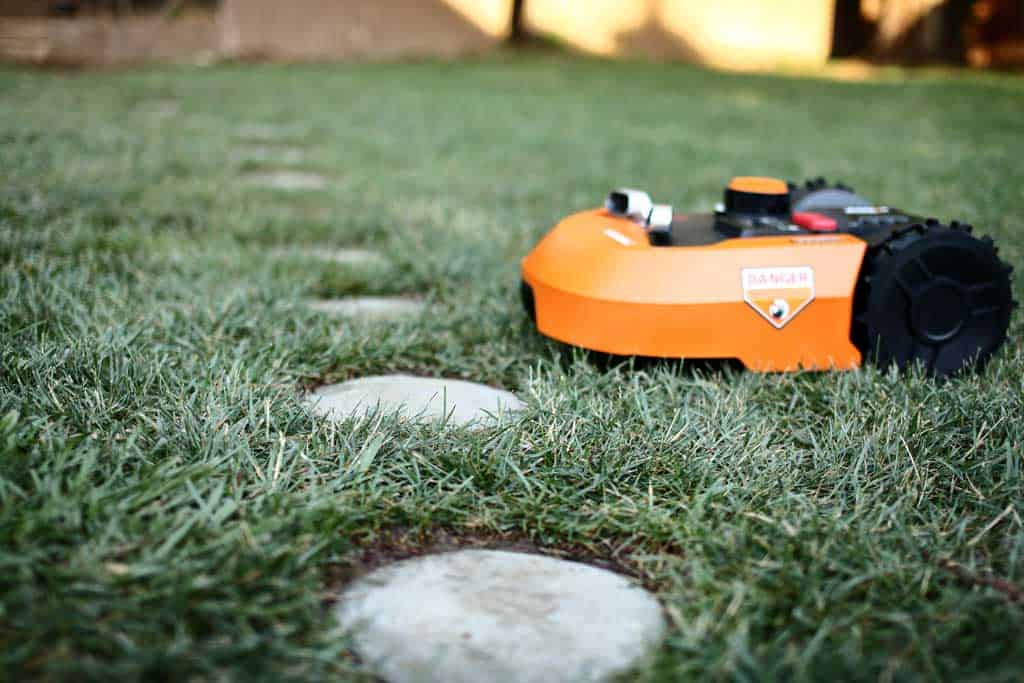 diy stepping stone with robotic lawn mower