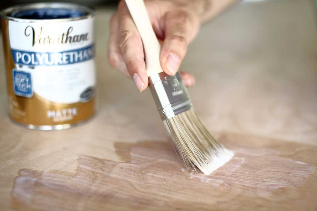 applying polyurethane on wood
