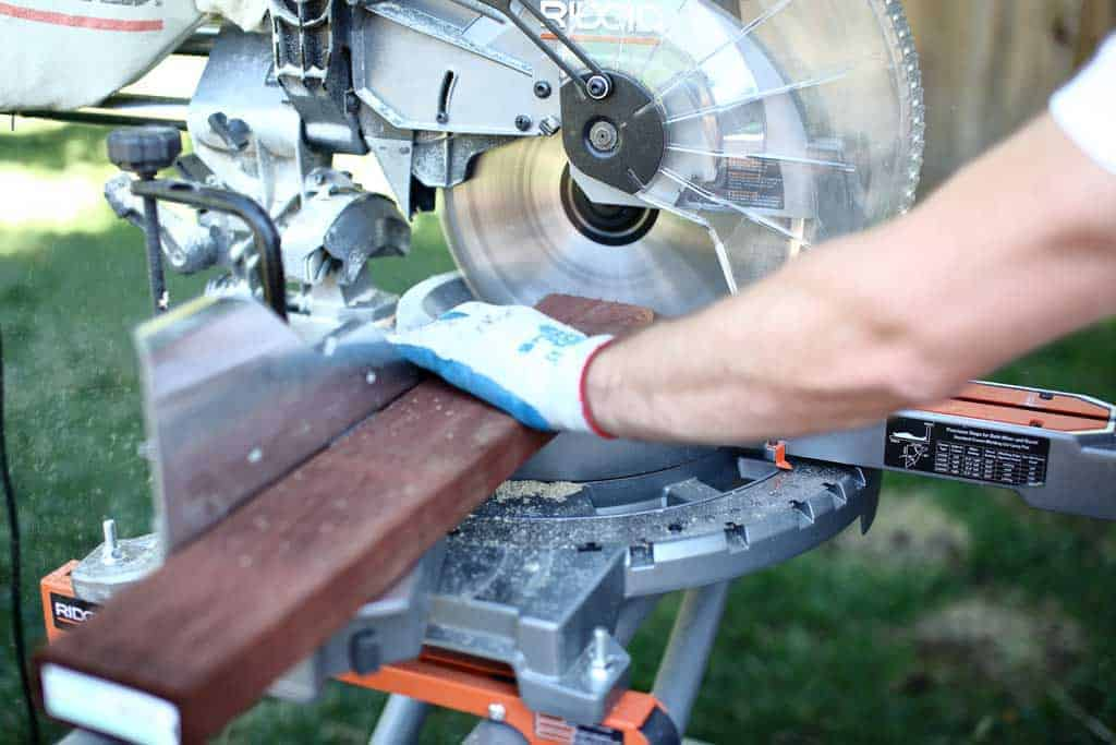 using miter saw to cut wood