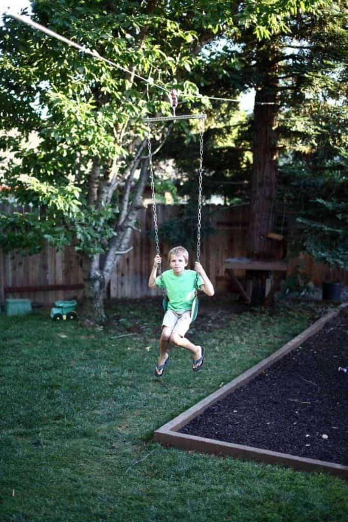 How To Make A Diy Zipline In Your Backyard Thediyplan