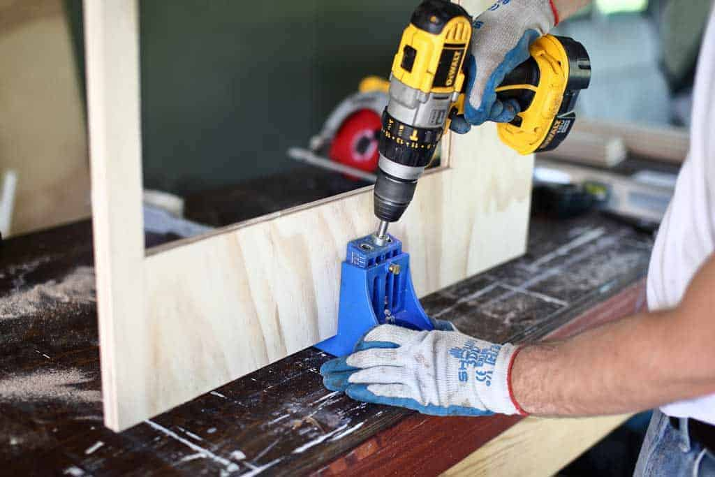 drilling pocket holes in plywood