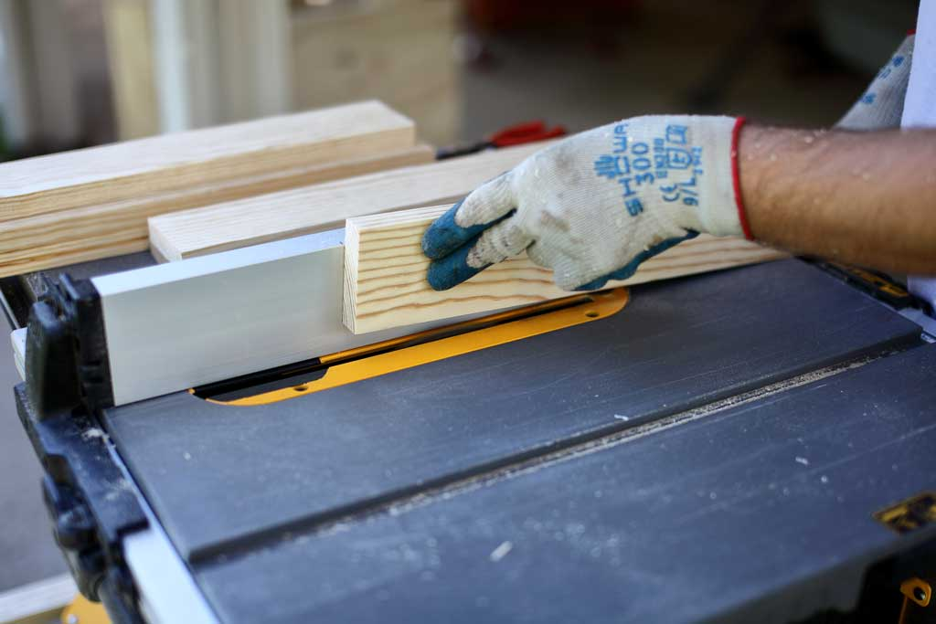 using table saw to cut grooves for cabinet doors