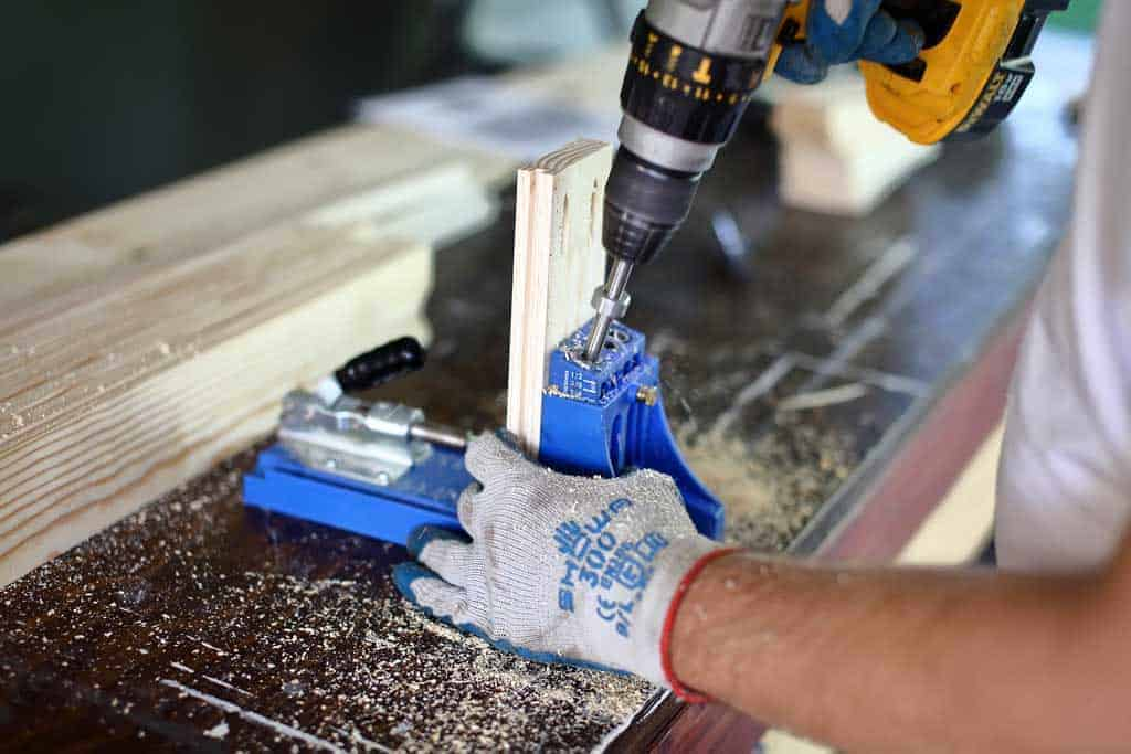drilling pocket holes in rail board