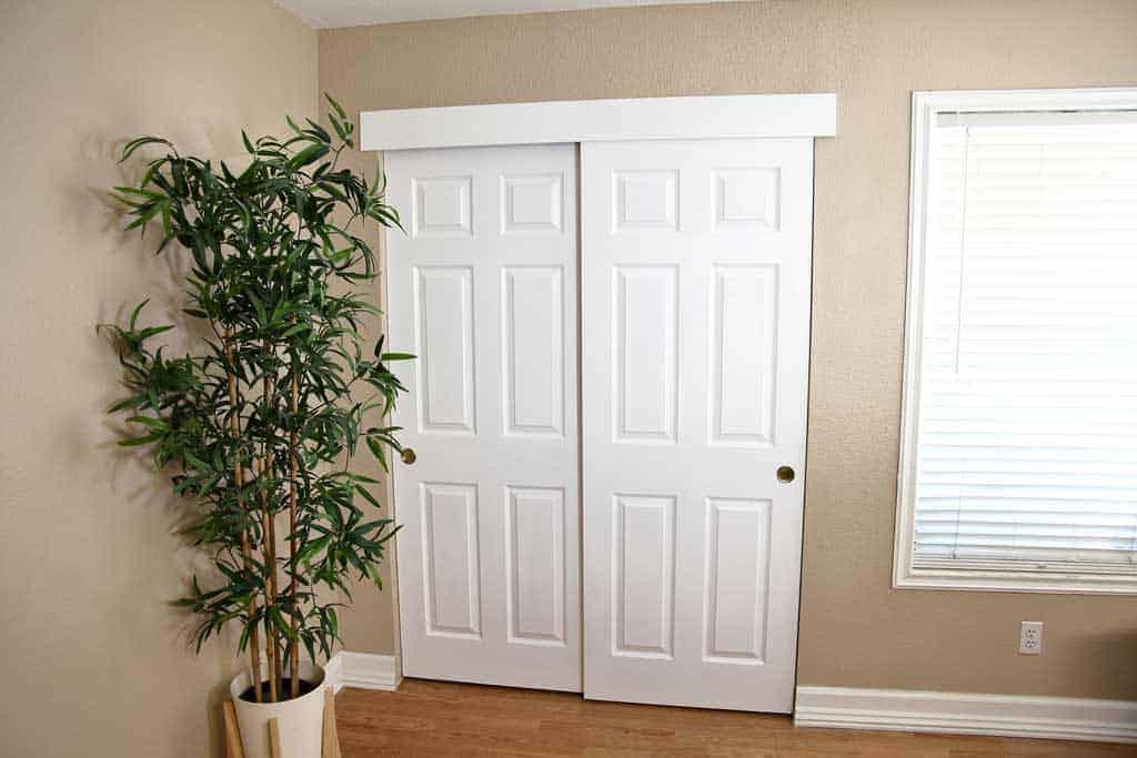 Build a DIY closet in a Bedroom