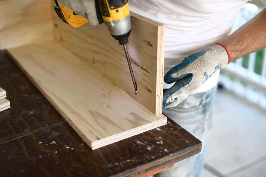 using pocket holes to attach diy flower planter box together