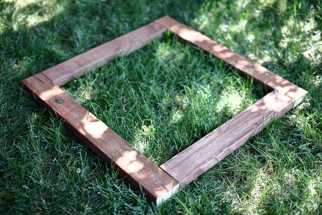 square base for DIY pyramid gutter planter