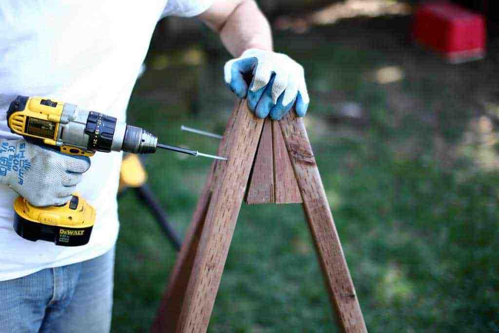 "attaching pyramid planter frame with 4"" screws"
