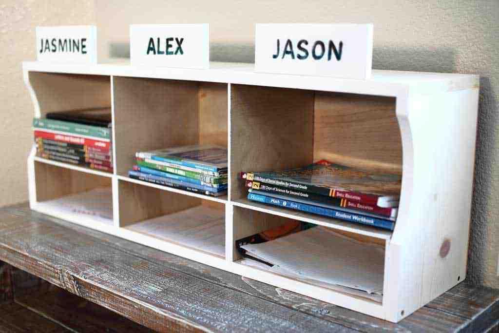 DIY Kids Bookshelf for Homework