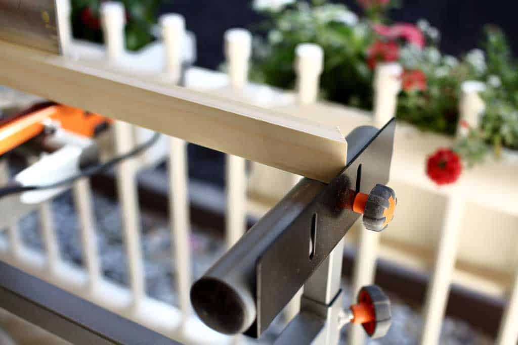 using stopper to cut balusters