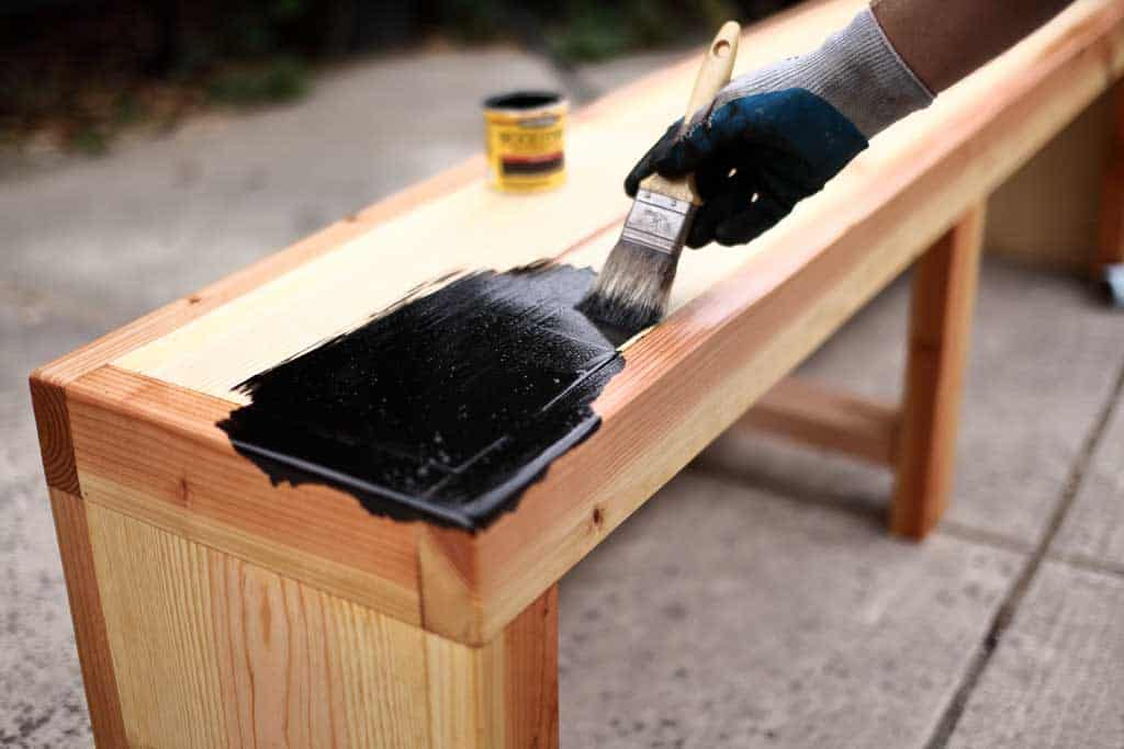 Does stain prevent warping