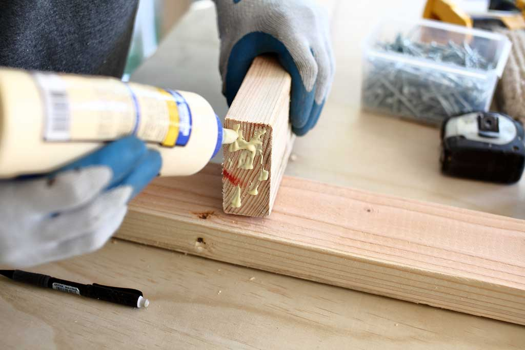 using wood glue to join 2x4