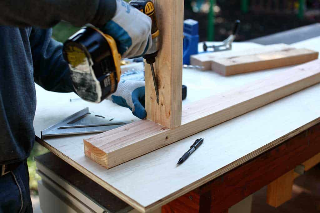 using pocket holes to attach boards together