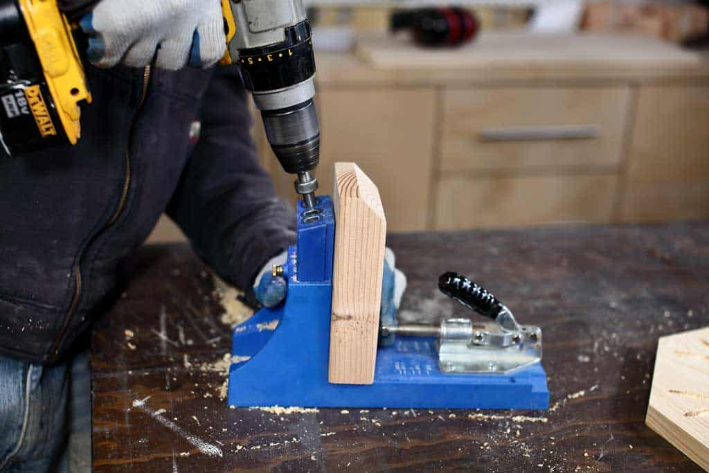 drilling pocket holes in 2x4