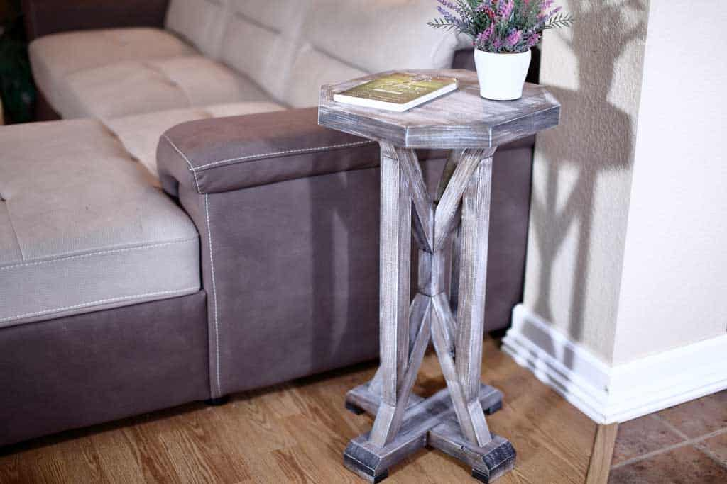 DIY Farmhouse End Table