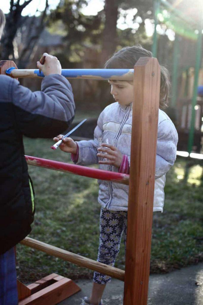 kids paining ladder toss game