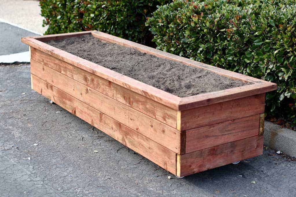 How To Build A Diy Planter Box On Wheels Thediyplan