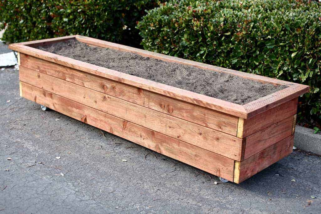 diy planter box on wheels