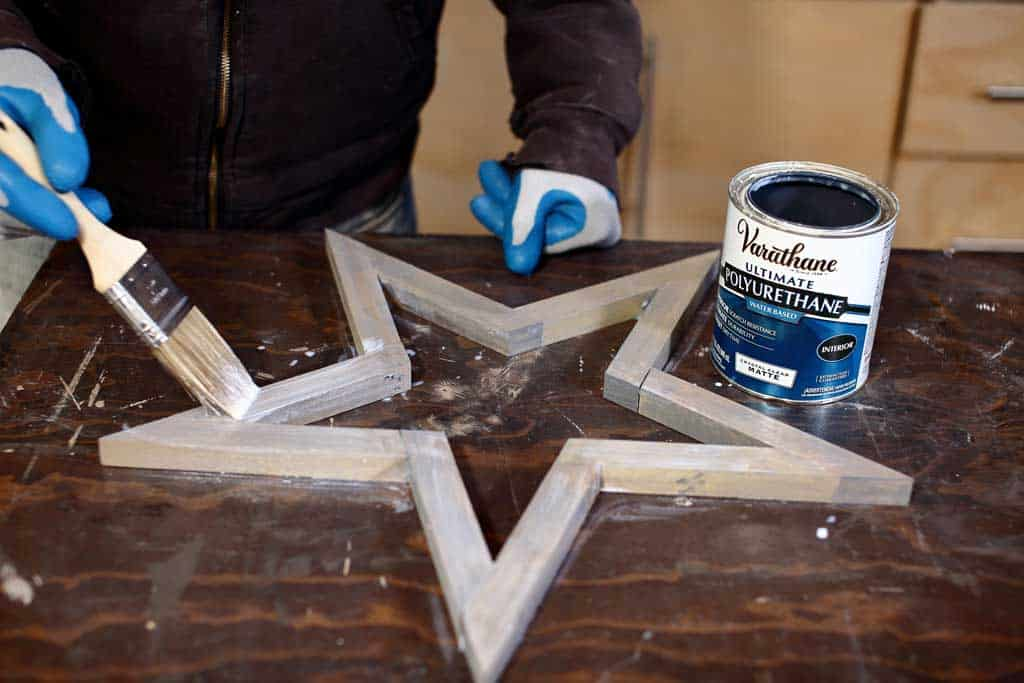 applying polyurethane on star
