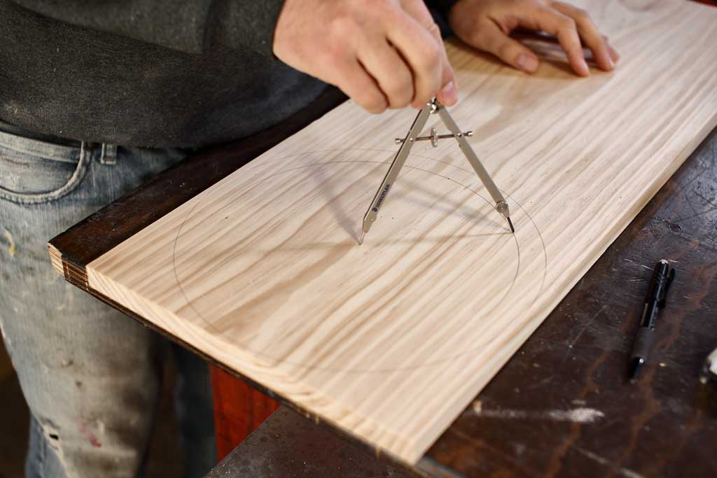 using compass to draw a circle on wood
