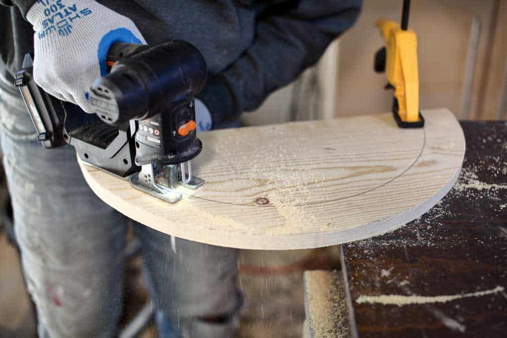 cutting wood with jig saw