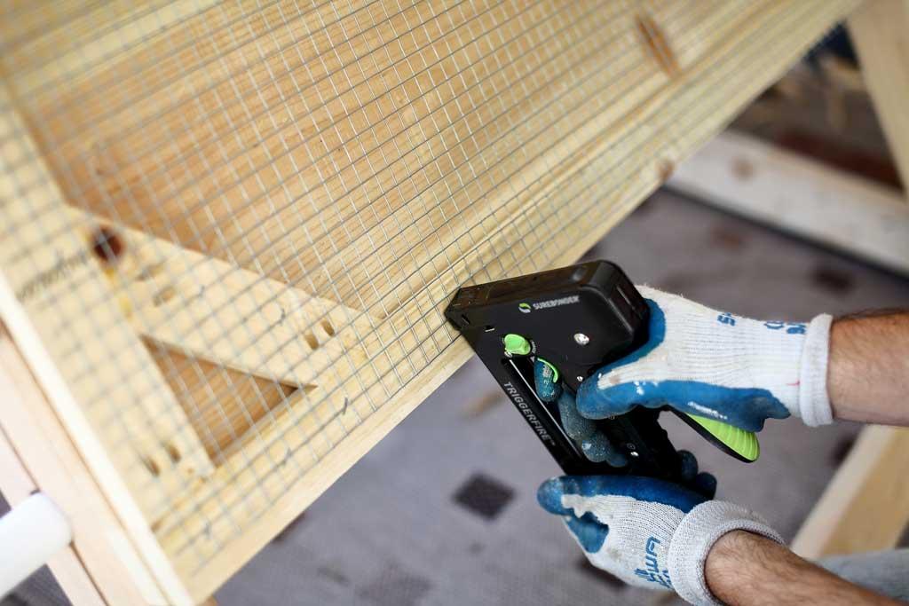 attaching wire mesh screen to chicken coop