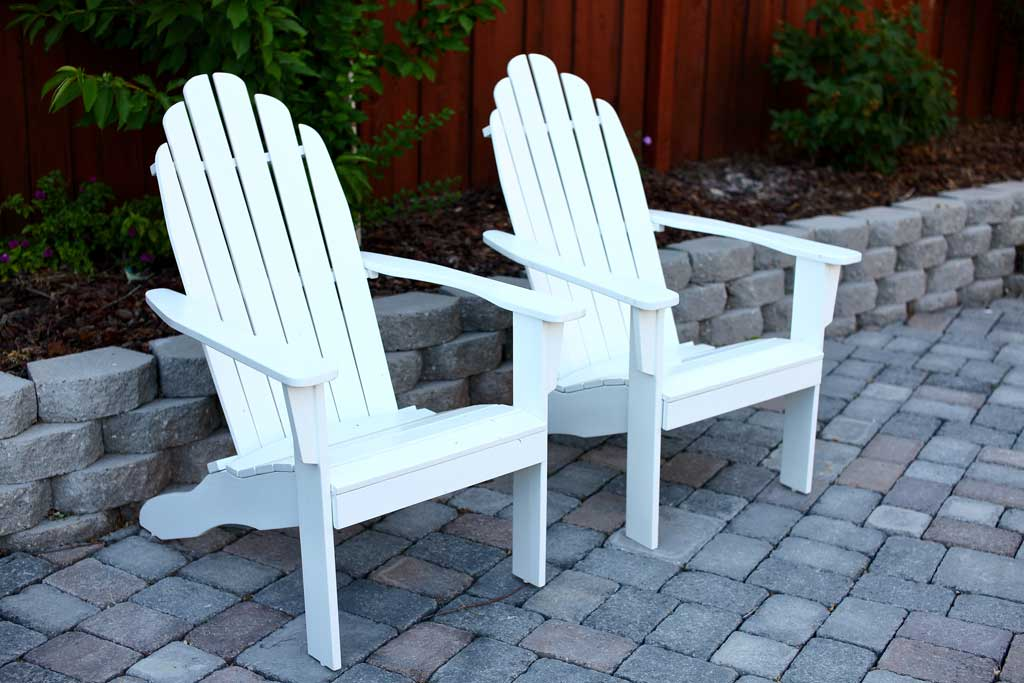 DIY Adirondack Chair for the outdoors