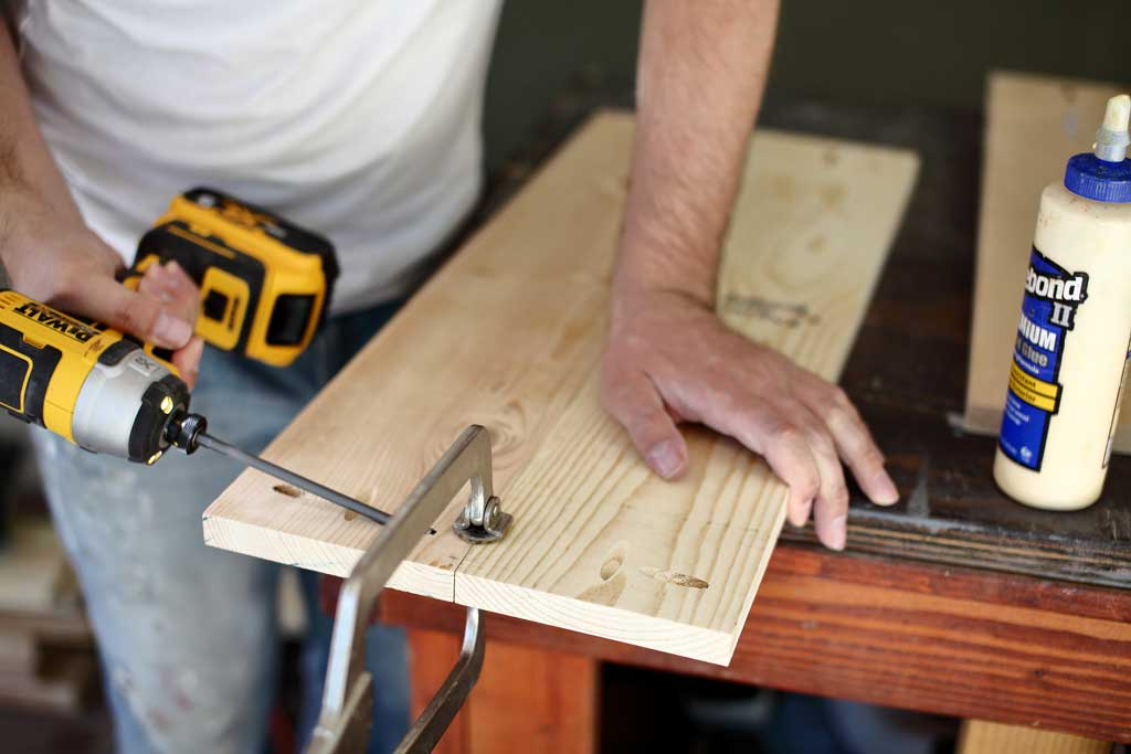 attaching slat boards together for DIY outdoor sofa with cushions